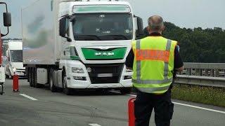 Polizei bestraft Gaffer nach Lkw-Unfall bei Wallenhorst