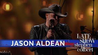 Jason Aldean Performs
