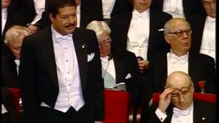 Ahmed Zewail receives his Nobel Prize