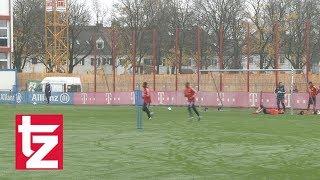 FC Bayern Torwart Tom Starke kriegt die Hütte voll