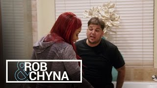 Rob & Chyna | Rob Kardashian Upset Over 20 Pound Weight Gain | E!