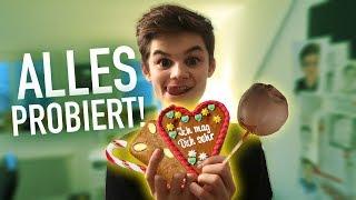 ALLES auf dem Weihnachtsmarkt probiert! | Oskar