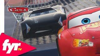 Cars 3: Lightning McQueen vs Jackson Storm EPIC Stunt Race