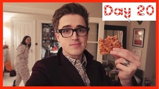 Cold Pizza | Vlogmas Day 20