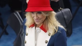 See How the Internet Reacted to Kellyanne Conway