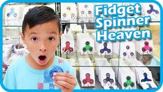 FIDGET SPINNER Toy Hunt at Shopping Mall, I Got 3 FREE Fidget Spinners and a Case – TigerBox HD