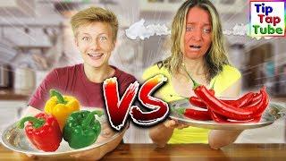 REAL FOOD vs. CHILI FOOD - Wer verträgt SCHARFES Essen besser? TipTapTube