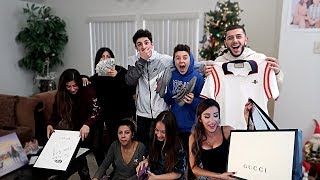INSANE CHRISTMAS GIFTS OPENING W/ MOLLY AND MY FAMILY!!