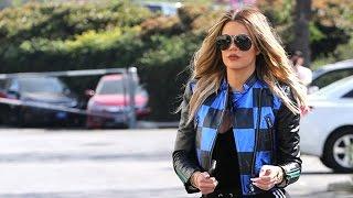 Khloe Kardashian Races Over To Rob