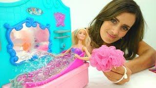 Lustige Schule mit Barbie. Der Tag der Sauberkeit.