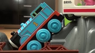 Thomas and Friends Trains Crash Bridge Fire Engine Brio City Thomas und seine Freunde