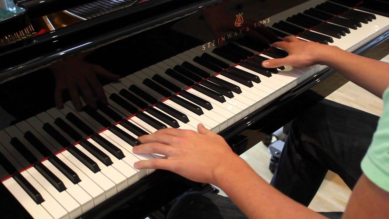 Секс на пианино мужчина послушал 6 фотография