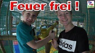 MEGA FUN IM TRAMPOLINO Indoor Spielplatz Freizeit Park Feuer Frei VLOG TipTapTube