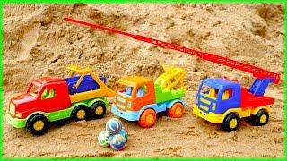 #Spielzeugautos sammeln Bälle ein – Wir spielen im Sand– Lehrreiches Video für Kinder