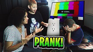 POWER OUTAGE PRANK ON MY 9 YEAR OLD LITTLE BROTHER WHO IS ADDICTED TO FORTNITE! (HE RAGED) FT JAYDEN