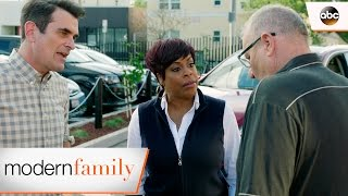 Phil and Jay Make up - Modern Family 8x20
