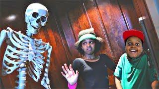 Bad Baby Shiloh and Shasha HAUNTED ELEVATOR! - Onyx Kids