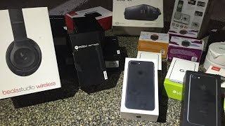 Dumpster Diving Phone Store! Found Beats, IPhone 7, and More Phones?