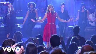 Taylor Swift - We Are Never Ever Getting Back Together (Live from New York City)