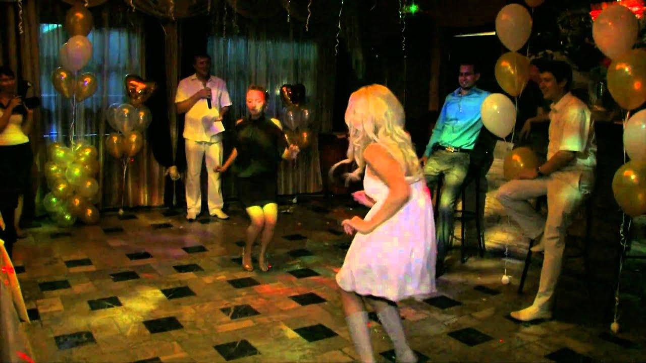 Ролик танцы девушек 11 фотография