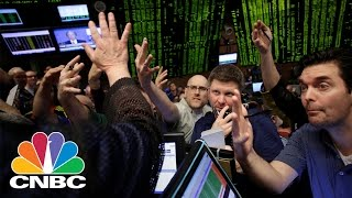 Insiders Selling Shares – A Warning Sign? | Trading Nation | CNBC