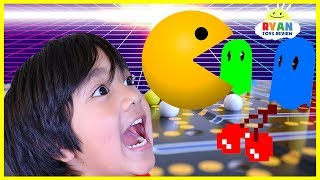 Ryan Plays Vintage Pac Man Board Game!!!