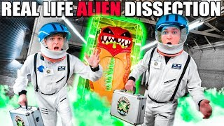 BOX FORT Spaceship Real Life Giant ALIEN Dissection SLIME! Treasure X Aliens Challenge