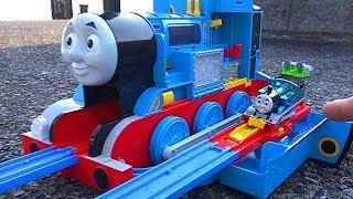 Big Thomas Coal toys & Thomas Plarail Let