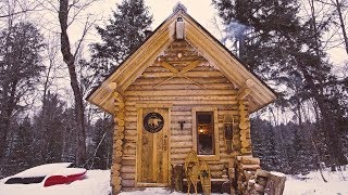 Log Cabin: Primitive Clay Daub and Wood Fired Cast Iron Pizza
