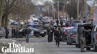 Gunman in Illinois warehouse kills five people