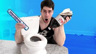 DIET COKE AND MENTOS TOILET CHALLENGE!!!