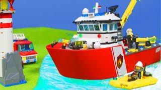LEGO FEUERWEHRMANN Kinderfilm: Feuerwehrauto & Feuerwehr Boot für KINDER   LEGO Episode deutsch