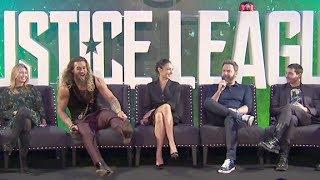 Justice League PRESS CONFERENCE - Gal Gadot, Ben Affleck, Henry Cavill, Jason Momoa