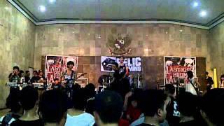 LAST KISS FROM AVELIN - TETAP BERLARI TANPA HENTI(Live at party Teenage,Cimahi)