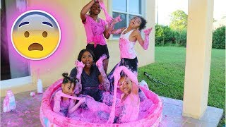 WE GOT STUCK IN A BIG  POOL OF FLUFFY SLIME !!! ( CHALLENGE GONE WRONG)