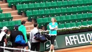 Maria Sharapova jokes with Roger Federer in slow motion