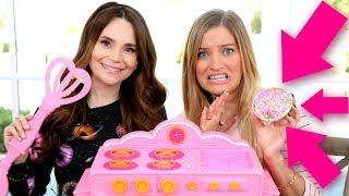 Making a mini cake with Ro!
