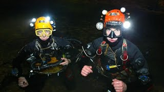 Meet the British divers helping craft a plan in the Thailand cave rescue