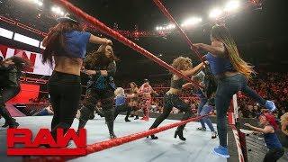 Becky Lynch leads a SmackDown Women
