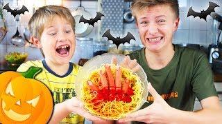 🎃 Gruselige Halloween Party Snacks im Test 👻 blutiges Gehirn, Spinnen, Hände 😳 TipTapTube