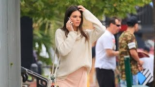 PREMIUM EXCLUSIVE: Kendall Jenner Perfects Her Catwalk Strut On The Sidewalk