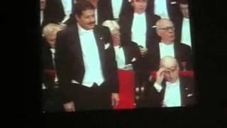 استلام الدكتور زويل جائزه نوبل عام 1999