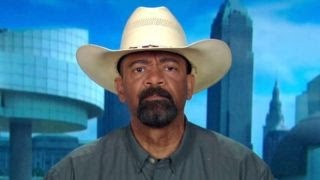 Sheriff Clarke on Clinton attacking Trump on race