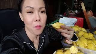 Viêt Hương ăn hết 13 trái sầu riêng