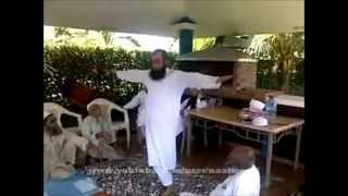 NEW - VIDEO OF MAULANA TARIQ JAMEEL DOING ZIKR & EXERCISE AND TEACHING OTHERS !