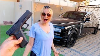 SURPRISING MY SISTER WITH A GUN !!!