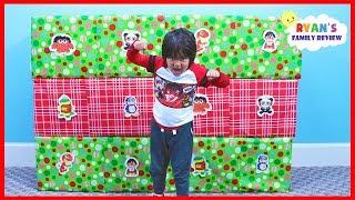 Giant Smash Box Surprise Toys Naughty or Nice Christmas presents!!!