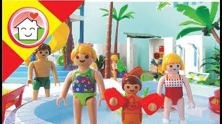 Playmobil en español En el parque acuático  La Familia Hauser