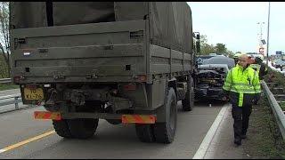 Militärkonvoi verursacht Unfall auf der Autobahn 1