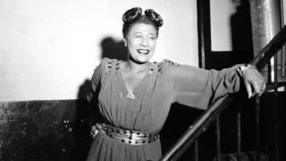 """Ella Fitzgerald Sings """"What Are You Doing New Year"""